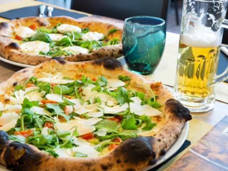 Pizza cerignolese da Pizza Grill & Maccaroni ad Arta Terme